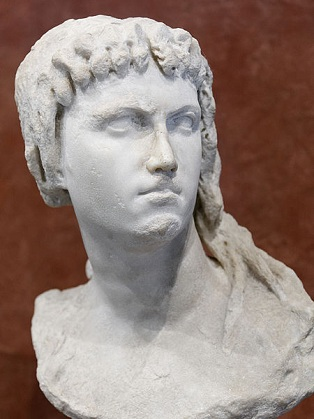 Cleopatra II or III, ca. 160-140 B.C.E.,     Musée du Louvre, Paris   Ma 3546  (Photo: Jastrow, 2011, Wikipedia)