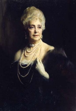 Mabell Ogilvy, Countess of Airlie, 1933 (Philip de László) (1869-1937) Location TBD